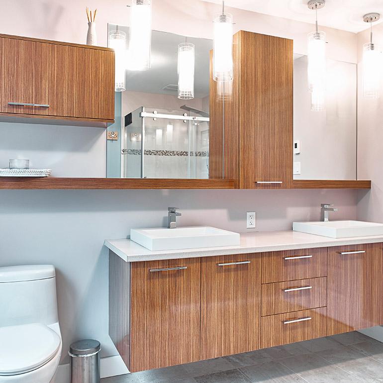Petites salles de bain astuces d 39 am nagement cuisines beauregard for Amenagement petite salle de bain