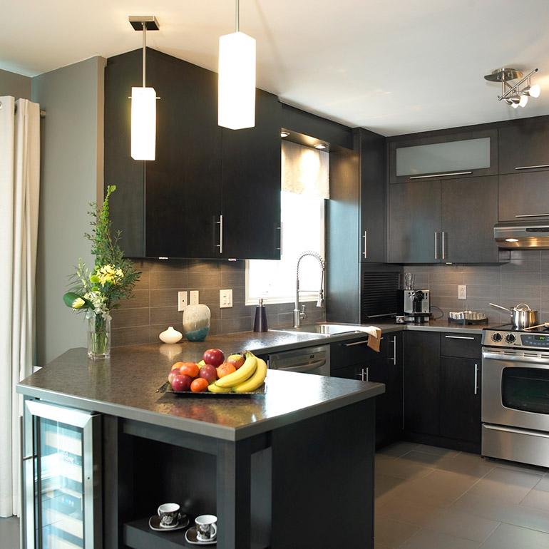 Cuisines beauregard cuisine r alisation 188 cuisine urbaine en placage de bois et comptoir - Cuisine en corian ...
