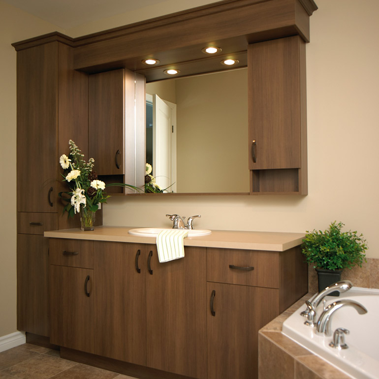 Cuisines Beauregard | Classic style bathroom with a laminate countertop