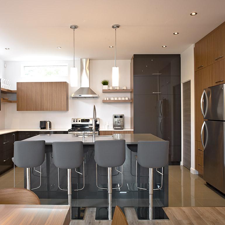 Armoires de cuisine urbain thermoplastique bois plaqu for Armoire de cuisine thermoplastique prix