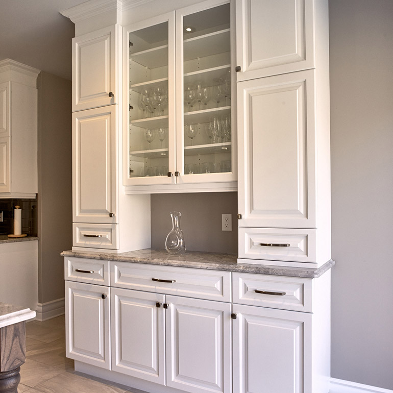 Cuisines Beauregard | Buffet for transitional-style kitchen, in solid wood