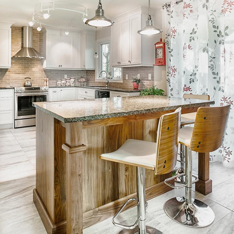 table ilot de cuisine best un lot de cuisine prolong par une table manger with table ilot de. Black Bedroom Furniture Sets. Home Design Ideas