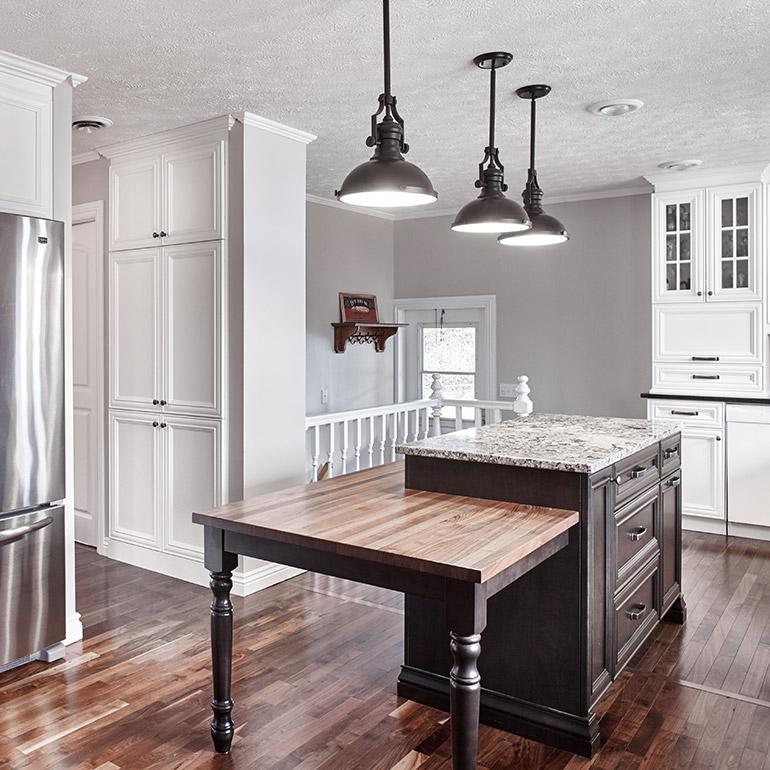 cuisines beauregard cuisine r alisation 360 l gantes armoires de cuisine dans un d cor. Black Bedroom Furniture Sets. Home Design Ideas