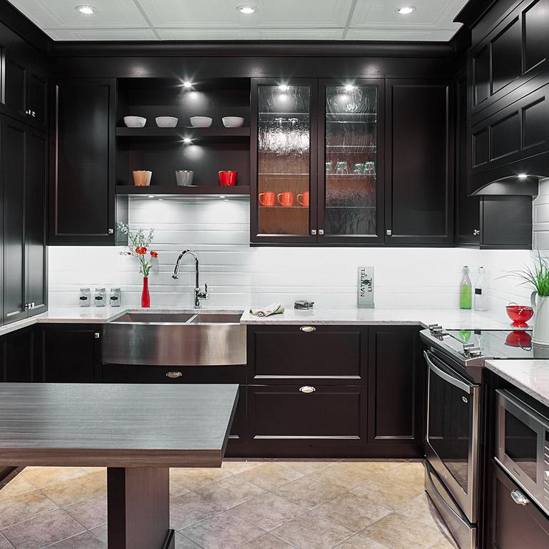 Cuisines beauregard cuisine r alisation g7 armoires de - Comptoir de cuisine noir ...