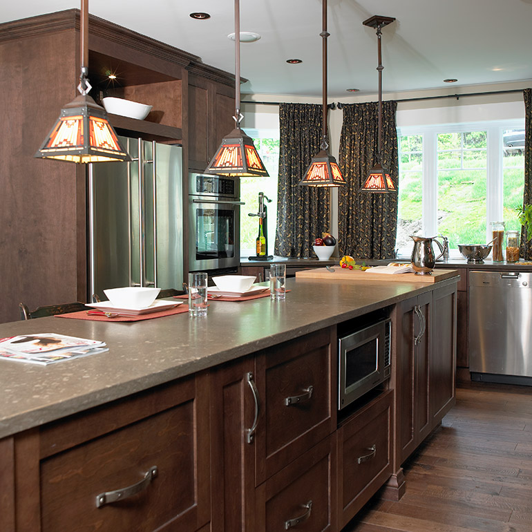 Cuisines Beauregard | Dark brown Shaker-style solid wood cabinets