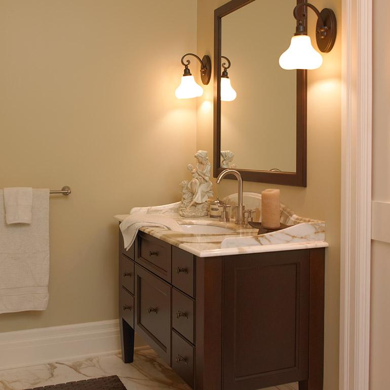 Cuisines beauregard salle de bain r alisation 176 for Armoire de salle de bain en bois