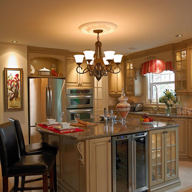 cuisines beauregard cuisine r alisation 222 armoires en bois dans une cuisine victorienne. Black Bedroom Furniture Sets. Home Design Ideas
