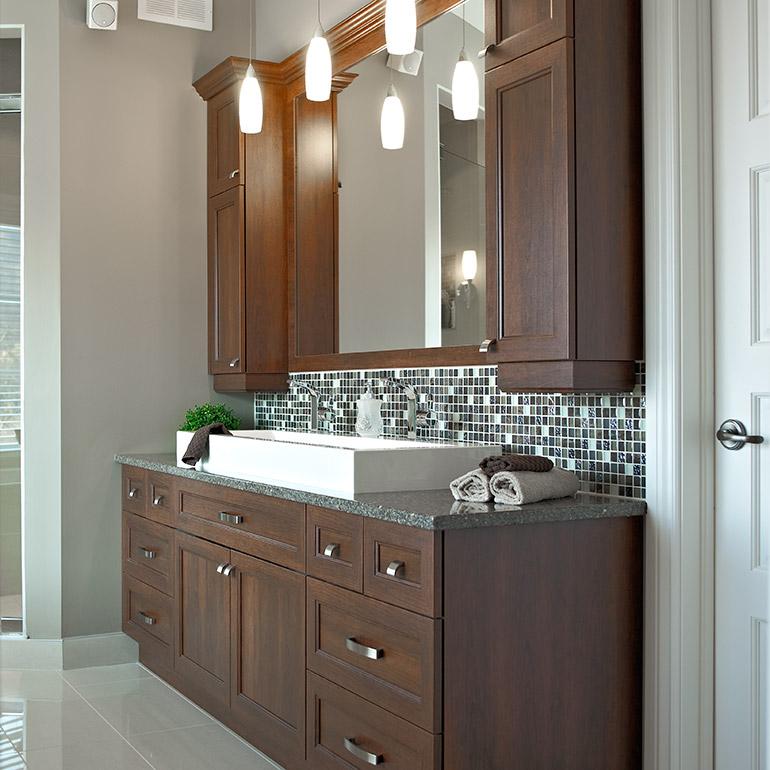 Cuisines beauregard salle de bain r alisation 228 vanit de salle de bain en m lamine polyester Armoires salle de bain